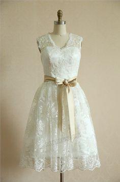 Vintage Short Lace Wedding Dress Keyhole Back Knee by misdress