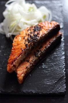 Salmone Glassato al Miso e Arancia (http://zuccheroezenzero.blogspot.com.ar/2016/04/salmone-glassato-al-miso-e-arancia.html)