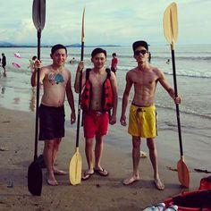Sea kayaking Tg.Aru.