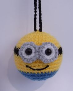 minion bauble crochet decorations by pamcrafteduk on Etsy Crochet Key Cover, Love Crochet, Crochet Yarn, Crochet Toys, Plastic Bag Crochet, Crochet Coin Purse, Crochet Keychain, Minion Characters, Minion Crochet