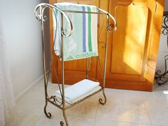 Hand Iron French Vintage Bathroom Towel Rack Stand.