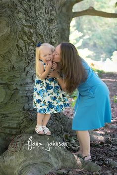 I love capturing the connections between parents and their little ones. 2 beautiful ladies! #ctfamilyphotographer #familyportraits #familyconnections