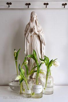 HWIT BLOGG: FLOWERS by titti & ingrid - Vitt på vitt