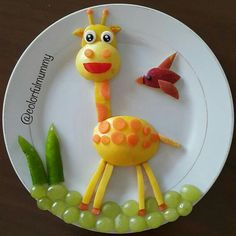Little giraffe is waiting for Ece to come from school . Little giraffe is waiting… Fruits Decoration, Fruit Creations, Creative Food Art, Food Art For Kids, Little Giraffe, Food Carving, Fruit Art, Fruit Plate, Food Crafts