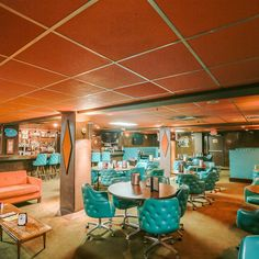 The colors at Starlite Lounge are awesome. The whole decor is 1960ish. Fun fun place. #mitimage360 #starlitelounge #lincolnhaymarket #buzzardbillys #lincolnbars #lincolnphotographer https://www.instagram.com/p/BJ1kCEqACjZ/ via www.mitimages360.com