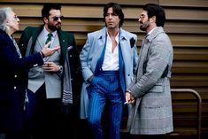 🎙U stilu komentatora sa Rai Sporta najavljujem...mmm da... samo ti maštaj Gorane. 1, 2, 1, 2 čujemo se?  📣Prvi od dva izveštaja iz Firence ili dva poluvremena kako sam ih nazvao u naslovu novog blog posta *( http://gentrebel.com/direktno-iz-firence-pitti-uomo-93-i-poluvreme/ ). 🚩Juče je zvanično počeo Pitti Uomo najznačajniji događaj u svetu muške mode već dugi niz godina.   Ko se vratio na Pitti scenu posle 7 godina, kako izgleda Gucci bašta, ko je dobio Pitti Award nagradu i dosta fotki…