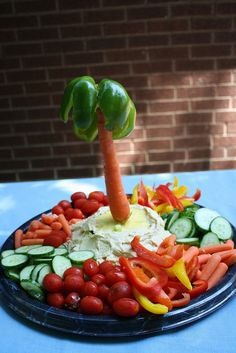 veggie platter with palm tree. cool idea.