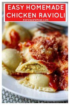 Homemade Chicken Ravioli Recipe - This Homemade Chicken Ravioli Recipe is an easy ravioli recipe made with ground chicken, a few simp - Chicken Ravioli, Vegan Ravioli, Easy Ravioli Recipe, Lobster Ravioli, Ravioli Lasagna, Mushroom Ravioli, Cheese Ravioli, Mantu Recipe, Chicken