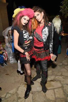 dont underestimate these 27 stylish halloween costumes from the fashion crowd