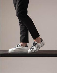 All black everything! www.2star.it #2star #2stargold #shoes #shoe #kicks #instashoes #instakicks #sneakers #sneaker #sneakerhead #sneakerheads #solecollector #soleonfire #nicekicks #igsneakercommunity #sneakerfreak #fashion #swag #instagood #fresh #photooftheday #nike #sneakerholics #sneakerfiend