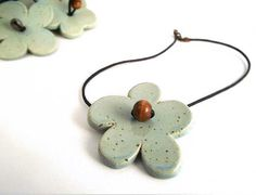 Flower stoneware Necklace from Italy por lofficina en Etsy