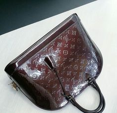 435418958158 LV Alma GM Material  Vernis leather Louis Vuitton Collection, French  Fashion, French Style