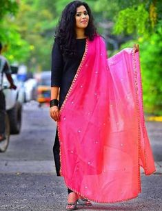 How To Wear A Dupatta – Different Types & Draping Style Ideas Thanks to ever-changing designs, your dupatta choices are practically endless. Indian Attire, Indian Wear, Indian Dresses, Indian Outfits, Pakistani Dresses, Salwar Pattern, Churidar Designs, Lehenga Designs, Mehndi Designs