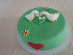 Een verliefd ganzenpaartje op een taart! #pie #love #baking #taart