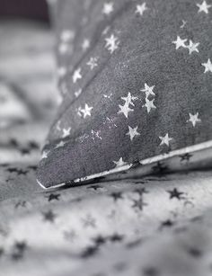 cotton bedding set for children. A grey charcoal bedding set in single and double sizes with a reversible stars design. Buy online today at Secret Linen Store. Cotton Bedding, Linen Bedding, Bedding Sets, Bed Linen, Zara Home, Bedding Master Bedroom, Kids Bedroom, Bedroom Ideas, Natural Bedding