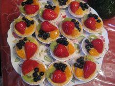 Fruit Custard Tarts on http://momwhats4dinner.com/fruit-custard-tarts/