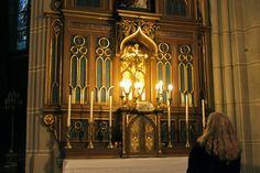 """Katja Sindemann in der Kirche """"Maria Königin der Märtyrer"""" in Rudolfsheim-Fünfhaus"""