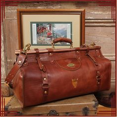 American Buffalo by Colonel Littleton Large Luggage, Luggage Bags, Leather Luggage, Leather Backpack, Gladstone Bag, Leather Bags Handmade, Leather Craft, Sack Bag, Buffalo