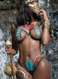 "Body (Part a., ""Computer Blue II"" (…a Body Paint Slideshow) Black Women Art, Beautiful Black Women, Black Girls, African Beauty, African Women, African Fashion, Model Auto, Pin Up, Curvy Women"