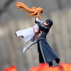 Sword Art Online Kirito et Asuna Sword Art Online Figures, Sword Art Online Kirito, Kirito Asuna, Sao Anime, Manga Anime, Otaku, Animes Yandere, Sao Ggo, Desenhos Love
