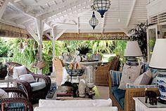 So many great ideas on this verandah.