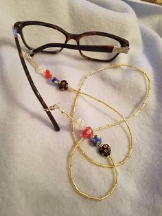 heart eye glass chain beaded eye cord millifiori hearts Homemade Gifts For Boyfriend, Birthday Gifts For Boyfriend, Diy Food Gifts, Jar Gifts, Gifts For Teens, Gifts For Women, Trending On Pinterest, Wales Uk, Matching Couple Shirts