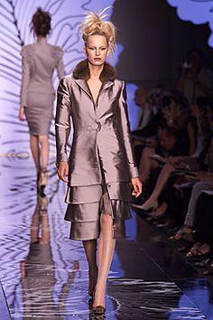 Valentino Garavani fall 2001 couture collection.