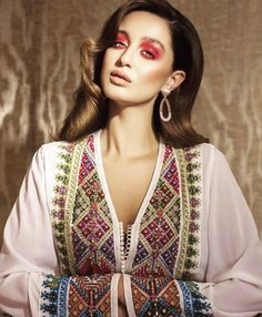 Caftan by Fouzia Naciri featured in the last editoral of Style Oriental, Oriental Fashion, Ethnic Fashion, African Fashion, Boho Fashion, Fashion Dresses, Morrocan Kaftan, Moroccan Dress, Moroccan Style