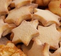 Resep l Martjie se vanieljekoekies Cookie Recipes, Snack Recipes, Dessert Recipes, Snacks, Desserts, Good Food, Yummy Food, Tasty, South African Recipes