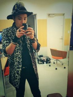 Posted by: The Eels Family Official Bulletin 1-11-14  Jang Keun Suk Twitter 1-10-14 , 머리 자른지 3개월이 지났는데 아직도 왜이렇게 어색하냐..예쁜남자는 드디어 끝났네. 텝들아 우리의 쫑파티는 아직 끝나지 않았다 ㅋㅋ 3 months have passed since I cut my hair, why am I still so awkward .. Beautiful Man is over at last. Our staff, our launch party is not over yet kk@AsiaPrince_JKS새로운 직업을 찾았다.. 장타코 ㅋㅋ.I found a new job..Jang Tako (takoyaki) kk @AsiaPrince_JKS, cr:-thenatcat- @theeelsfamily  Labels: jang keun suk, JKS, twitter