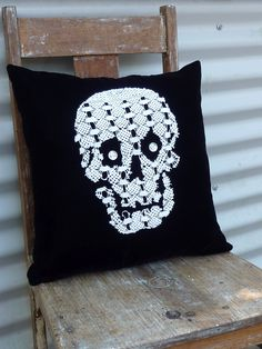 DIY: skull cushion cover from a vintage doily