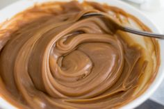 Seductive homemade caramel cream is ready in 20 minutes! Hungarian Desserts, Hungarian Recipes, Sweet Recipes, Cake Recipes, Dessert Recipes, Creative Desserts, Cake Fillings, Baking And Pastry, Relleno