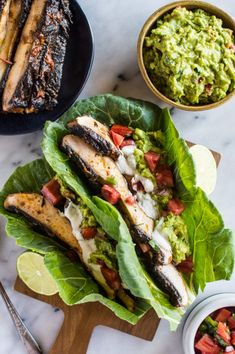 """Currently obsessing over this Harissa portobello mushroom """"tacos"""" recipe! It's the perfect alternative to meat tacos. Vegan Keto Recipes, Healthy Low Carb Recipes, Diet Recipes, Lunch Recipes, Chickpea Recipes, Paleo Food, Paleo Diet, Healthy Meals, Healthy Food"""
