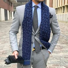 Tucked Trunks is an underwear to keep your shirt tucked in. This simple to use shirt stay underwear is as easy as tucking your shirt into your underwear! Best Suits For Men, Cool Suits, Mens Suits, Suit Fashion, Mens Fashion, Blazer Fashion, Ootd Fashion, Luxury Fashion, Suit Combinations