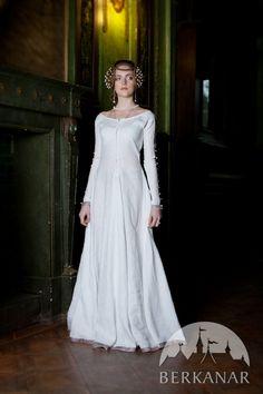средневековое нижнее платье-рубашка