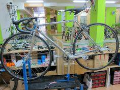 Secondbike Bicicletas para todos. La MAYOR tienda de bicicletas de segunda mano en Madrid.  Te esperamos en calle General Yagüe 70 . 28020 , Madrid, WEB www.secondbikemadrid.com