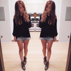 Jeansshorts + black jumper