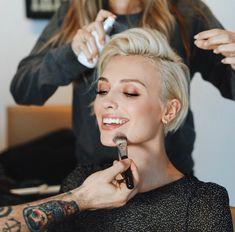 New site Edgy Hair site Short Shag Hairstyles, Work Hairstyles, Pretty Hairstyles, Love Hair, Great Hair, Corte Y Color, Edgy Hair, Short Hair Cuts For Women, Hair Today
