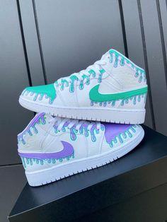 Cute Nike Shoes, Cute Sneakers, Nike Air Shoes, Shoes Jordans, Nike Shoes For Women, Cute Converse, Nike Air Jordans, Nike Women, Jordan Shoes Girls