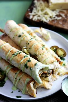 Slow Cooker Jalapeño Popper Chicken Taquitos w/ Mama Lupes Low Carb Tortillas