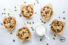 Simple & schnelle Frühstücksmuffins mit Haferflocken, Cranberries, Mohn und Kürbiskernen. Achtung, Suchtgefahr! 😀