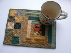 Autumn Quilted Mug Rug - Log Cabin. $10.50, via Etsy. Mini Quilts, Tablerunners, Quilted Table Toppers, Quilted Table Runners, Potholders, Log Cabin Quilts, Log Cabin Patchwork, Hot Pads, Colour Combo