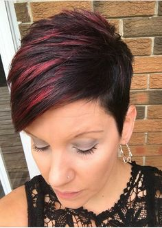Haare schneiden Haarfarben What if We Can't Afford a Professional Wedding Photographer? Short Pixie Haircuts, Cute Hairstyles For Short Hair, Pixie Hairstyles, Curly Hair Styles, Scene Hairstyles, Red Pixie Haircut, Korean Hairstyles, Baddie Hairstyles, Elegant Hairstyles