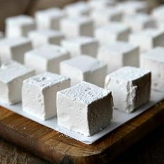 These Homemade Marshmallows are the only marshmallow you'll ever want from this day forward. Creamy, lofty, and light-as-air, you can customize the flavours any way you'd like. Best Brownie Recipe, Brownie Recipes, Dessert Recipes, Desserts, Candy Recipes, Holiday Baking, Christmas Baking, Christmas Recipes, Christmas Cookies