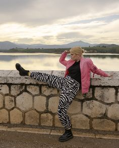 #iMikriOllandeza #MikriOllandeza #casualstyle #ootd #everydaystyle #casualfashion #everydayfashion #howto #howtostyle #zebraprint #zebrapants #drmartens #drmartensoutfit #aesthetic #2020 #egirl #altgirl #blonde #blondehair #blondegirl #pinkbomber #pinkbomberjacket #alphaindustries #alphaindustriesbomber #autumnoutfit #autumnfashion #autumnstyle #autumn2020 #springoutfit #springfashion #springstyle #spring2020 Dr Martens Outfit, Spring Fashion, Autumn Fashion, Pink Bomber Jacket, Zebra Print, Dr. Martens, Everyday Fashion, Blonde Hair, Hipster