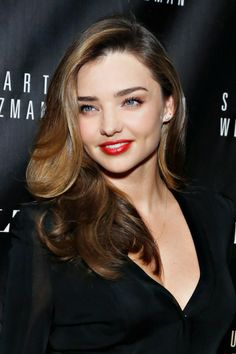 Miranda Kerr is a supermodel with incredible hair. Does she ever have a bad hair day? Sombre Blond, Sombre Hair Color, Celebrity Long Hair, Celebrity Hairstyles, Cool Hairstyles, Female Hairstyles, Blonde Hairstyles, Celebrity Beauty, Medium Hairstyles