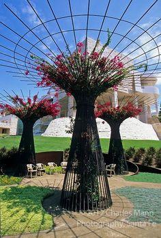 Robert Irwin garden at the new Getty Museum in Los Angeles, California, is a high concept wrok of art. Getty Museum Los Angeles, Landscape Architecture, Landscape Design, Garden Design, Landscape Plans, Sloped Garden, Metal Garden Art, Shade Structure, Garden Features