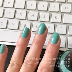 opi mexico city collection spring summer 2020 - 'verde nice to meet you' Opi Gel Nail Colors, Opi Gel Nails, Opi Gel Polish, Summer Nail Polish, Shellac Nail Art, Pedicure Colors, Gel Polish Colors, Gel Color, Cdn Shellac Colors
