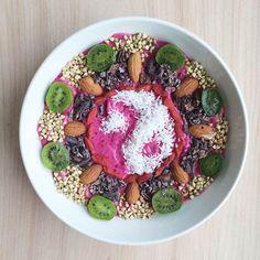 Les créations coloréesde l'artiste américaineAmalia Bussard, aka TheWholesome Bowl, qui partage sur Instagram ses appétissants repas végétariens, ar