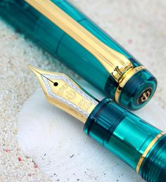 Stationary shop PenLife: Miracle 21 gold fountain pen * 1 other people one of the attributive transparent axis series professional gear turquoise green limit Sailor Pens, Stationary Shop, Graf Von Faber Castell, Calligraphy Pens, Chinese Calligraphy, Fountain Pen Nibs, Best Pens, Dip Pen, Writing Pens